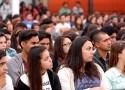 En la ceremonia se dio la bienvenida a los miles de estudiantes de pregrado que esta semana comenzaron su año académico.