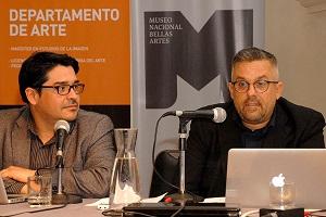 El artista artista peruano Fernando Bryce fue uno de los exponentes del encuentro.