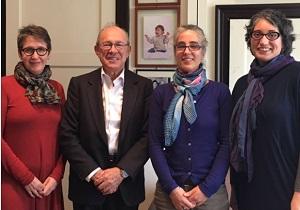 Salómón Lerner, Presidente del Instituto de Democracia y Derechos Humanos de la Pontificia U. Católica del Perú junto a las investigadoras de la UAH, Lucero de Vivanco, María Teresa Johansson y Constanza Vergara.
