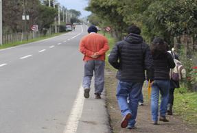 Coloquio de Lingüística La variación entonativa en el español chileno de la Región Metropolitana