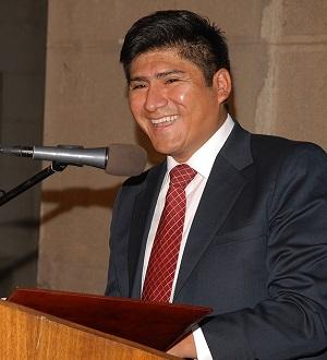 Javier Naguil Araya, egresado de derecho dio el discurso en nombre de los egresados de su generación.