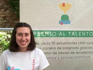 Luna Valdés, estudiante de Pedagogía en Inglés UAH.