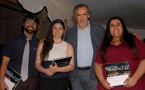 El Vicerrector Académico Pedro Milos entregó los premios a los mejores alumnos de cada carrera.