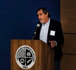 Pedro Milos, Vicerrector Académico UAH.
