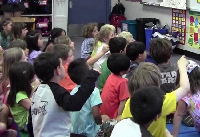 """Webinar """"Ser educadora de párvulos en tiempos difíciles"""" / Plataforma UAH TV"""