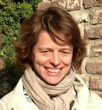 """Clase abierta """"La poesía de Tamara Kamenszain: escritura neobarroca y sujeción femenina"""""""