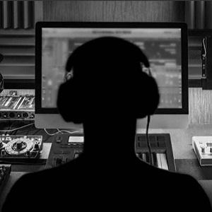"""Charla """"Aspectos fundamentales de la propiedad intelectual en la música"""""""